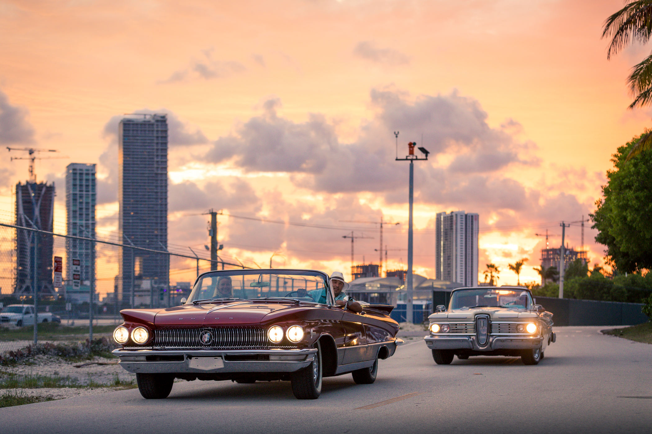 2 hour tour miami beach and wynwood in classic car convertible tours. Black Bedroom Furniture Sets. Home Design Ideas