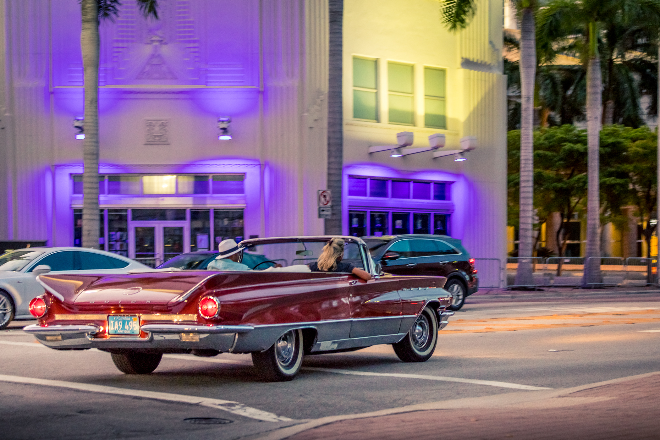 1 Hr Classic Car Tour Miami Beach - City Car Tour