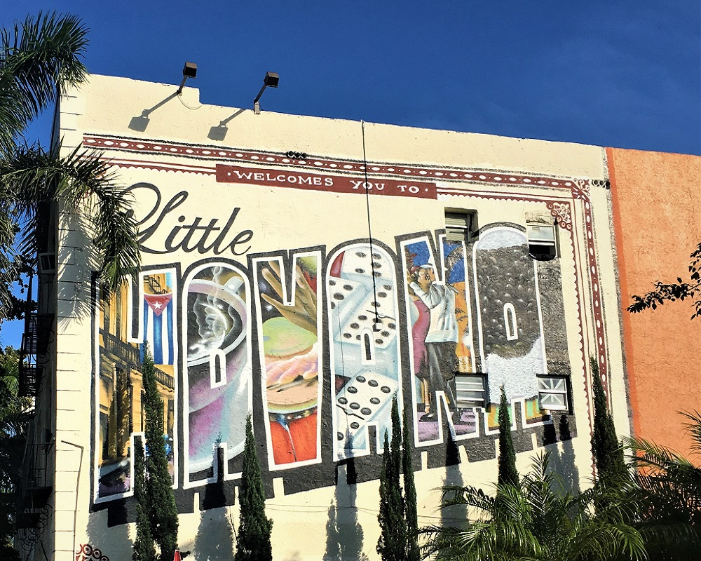 Enjoy Sightseeing Miami Best Places in Little Havana and Miami Beach in Classic Car