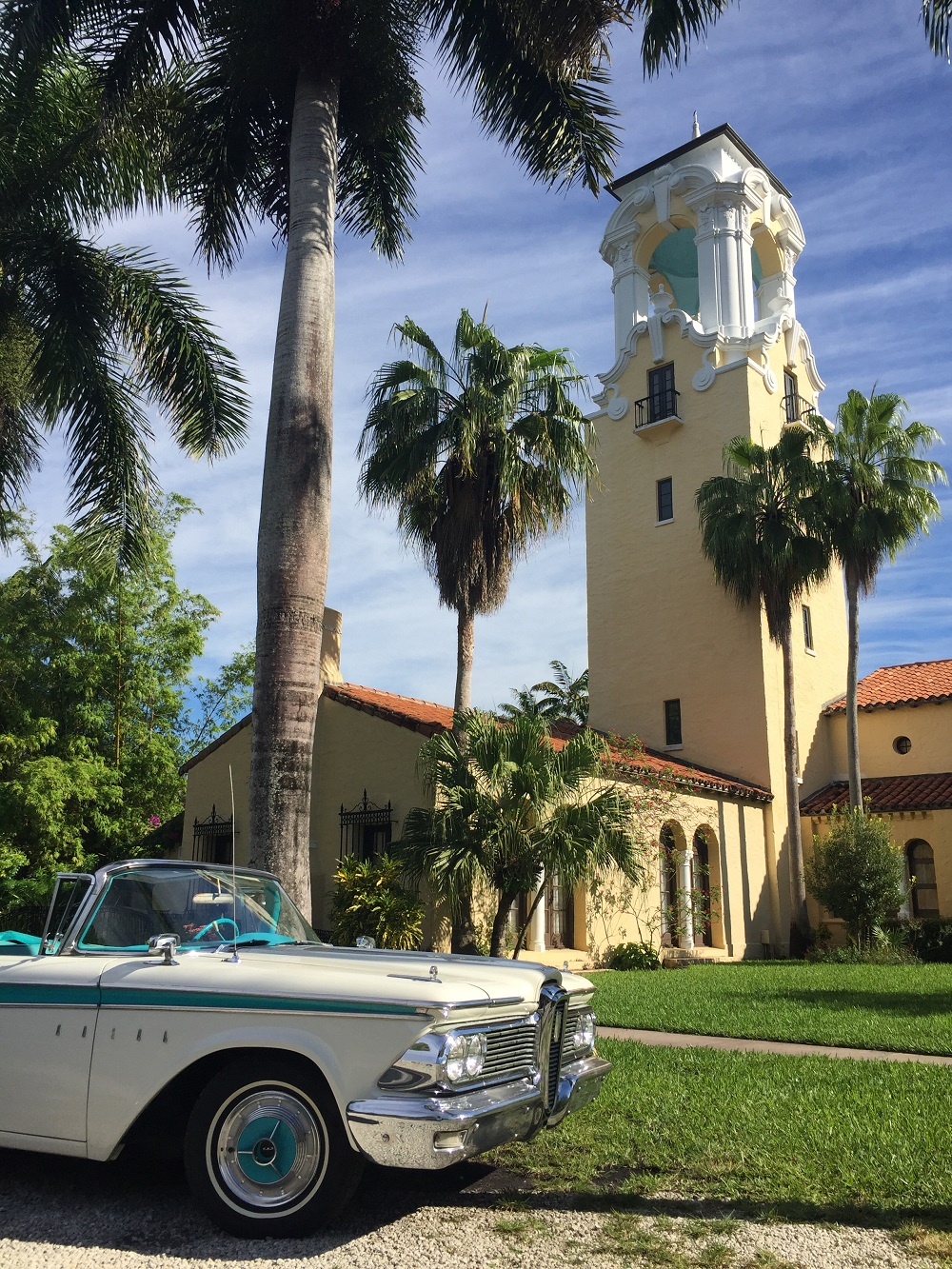Explore Miami Touring and Sightseeing in Classic Car